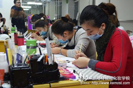 qile600齐乐国际班彩绘课程之五瓣花